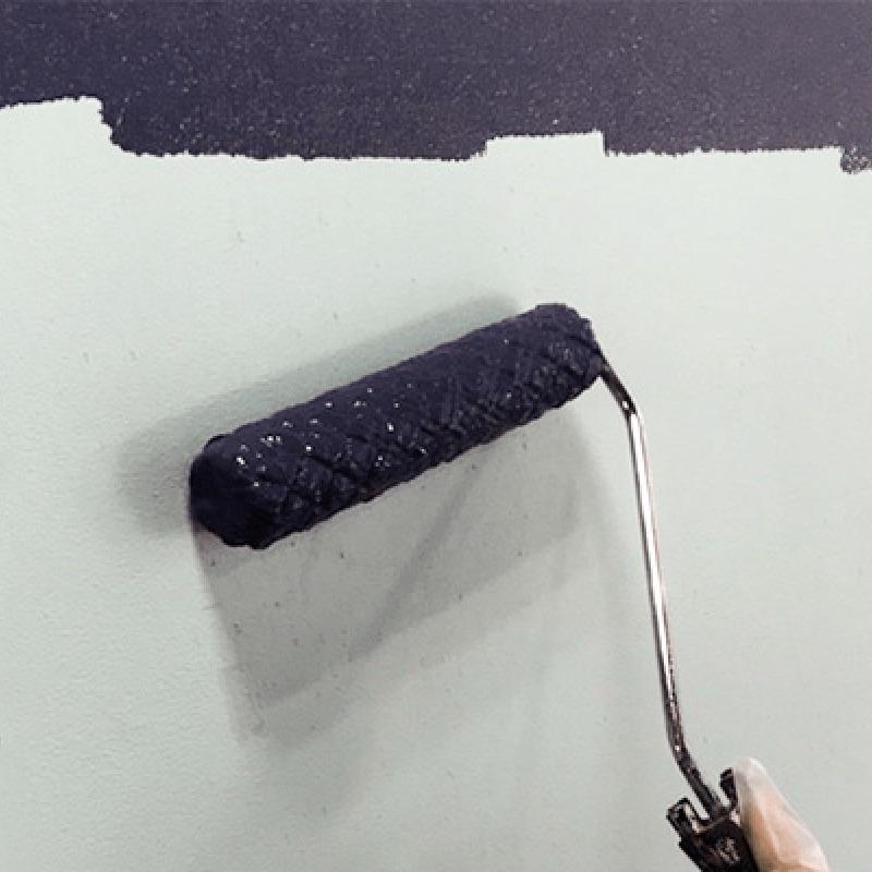 壁のペイントのコツを体験